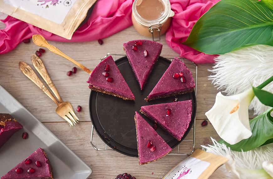 "Високо протеинова, сурова торта чийзкейк ""Розова наслада"""