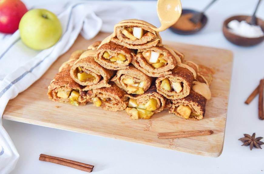 Пълнени палачинки с карамелизирани ябълки