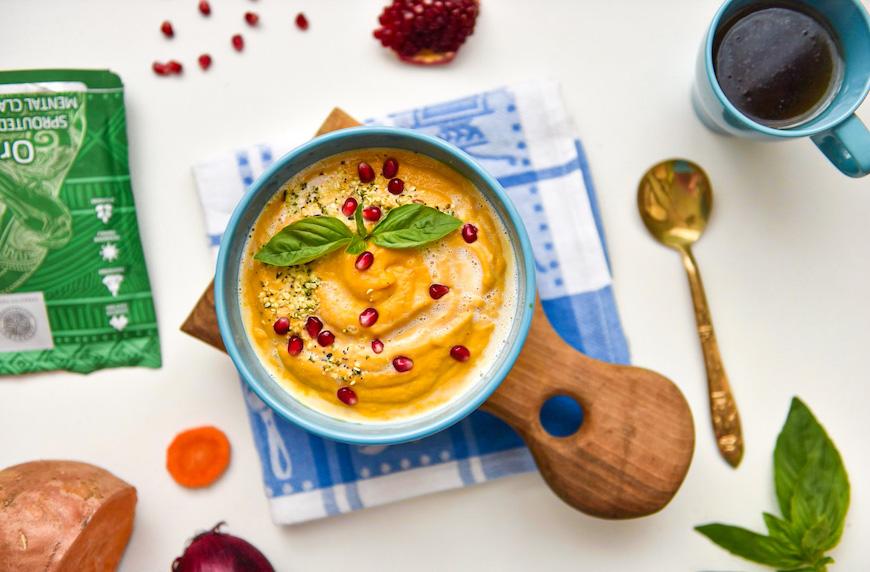 Супа от сладък картоф, моркови и кокосово мляко