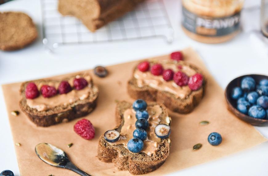 Нисковъглехидратен протеинов хляб. Идеи за закуска и обяд с протеинов хляб.
