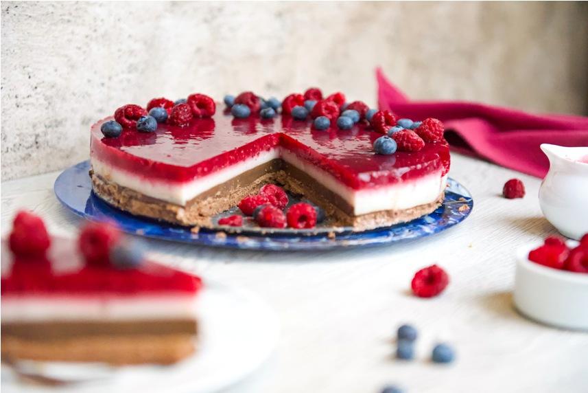 Нискокалорична, високопротеинова, сурова малинова торта