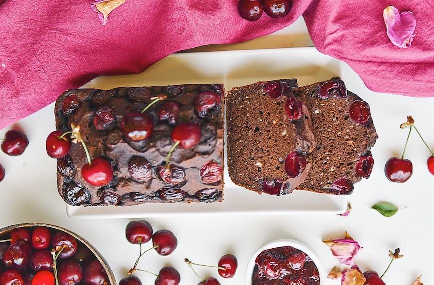 Шоколадов хляб с череши